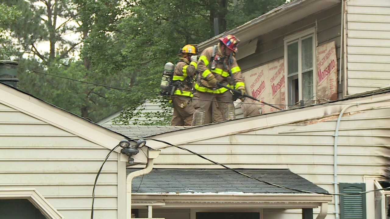 Fire damages Chesterfieldhome