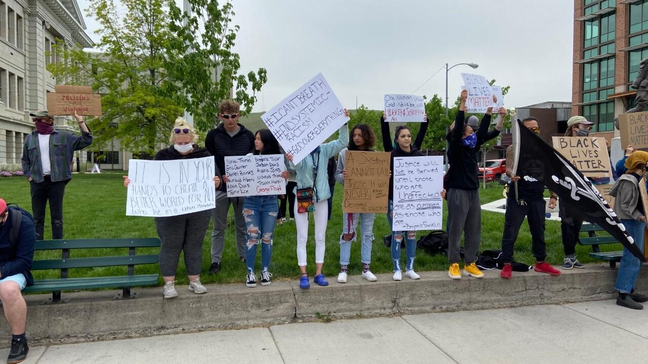 Floyd Protest 6-2 2