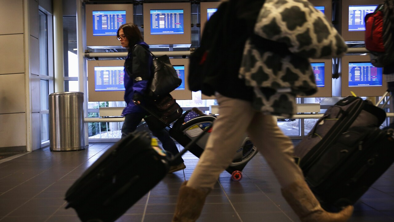 Knowing your flight rights: How to avoid holiday headaches while traveling