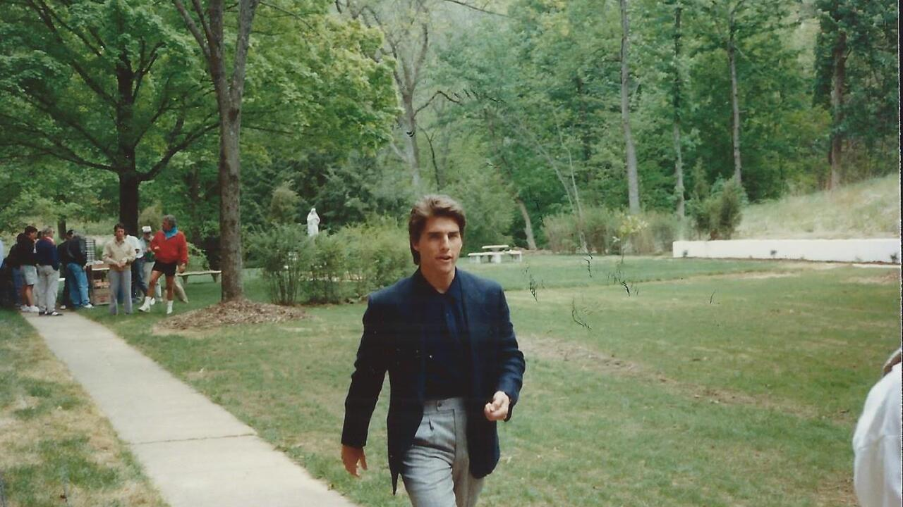 14-Tom Cruise convent.jpg