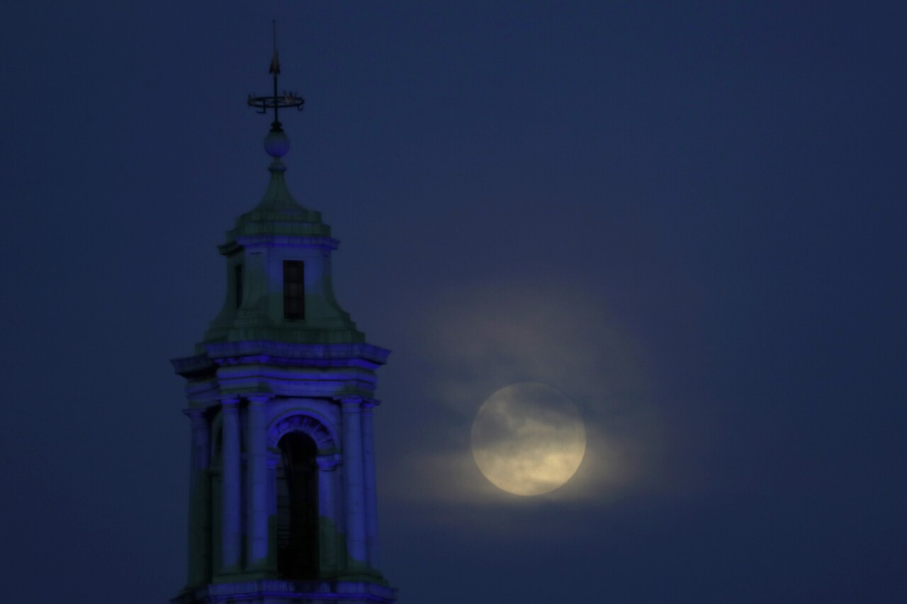 Britain Supermoon