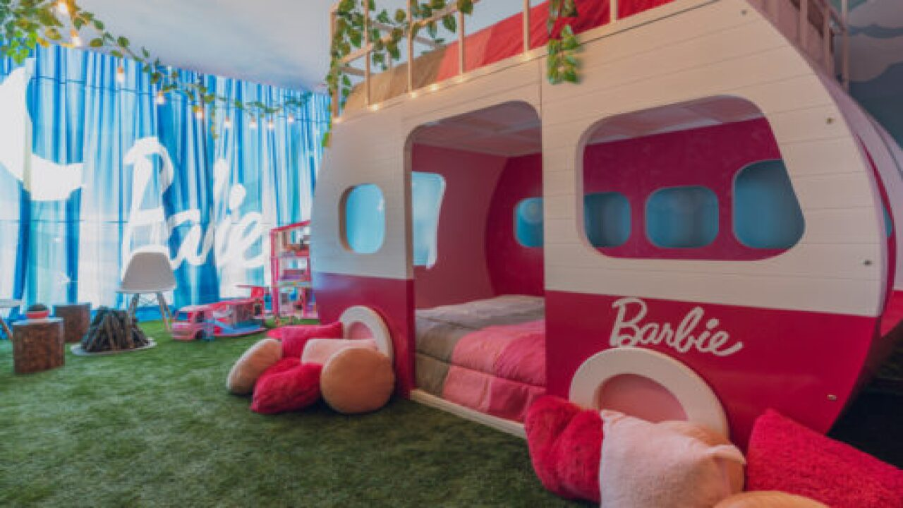 You Can Stay At A Barbie-inspired Hotel Suite