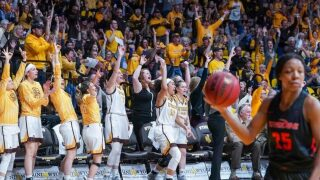 Late free throw sinks Pepperdine, Wyoming Cowgirls into WNIT quarterfinals