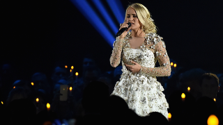 Carrie Underwood 'not quite looking the same' after 40-50 stitches in face following gruesome fall
