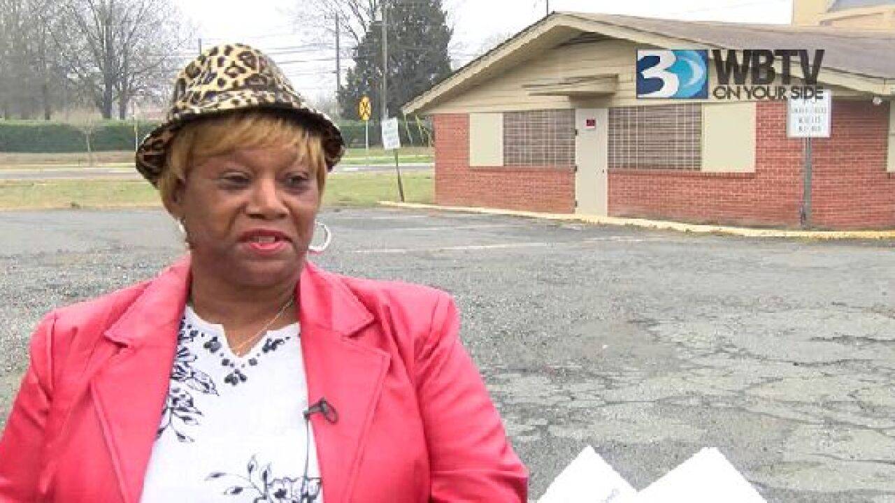 8d159060a44 Mother of Cherica Adams reacts to former Carolina Panther Rae Carruth's  jailhouse interview