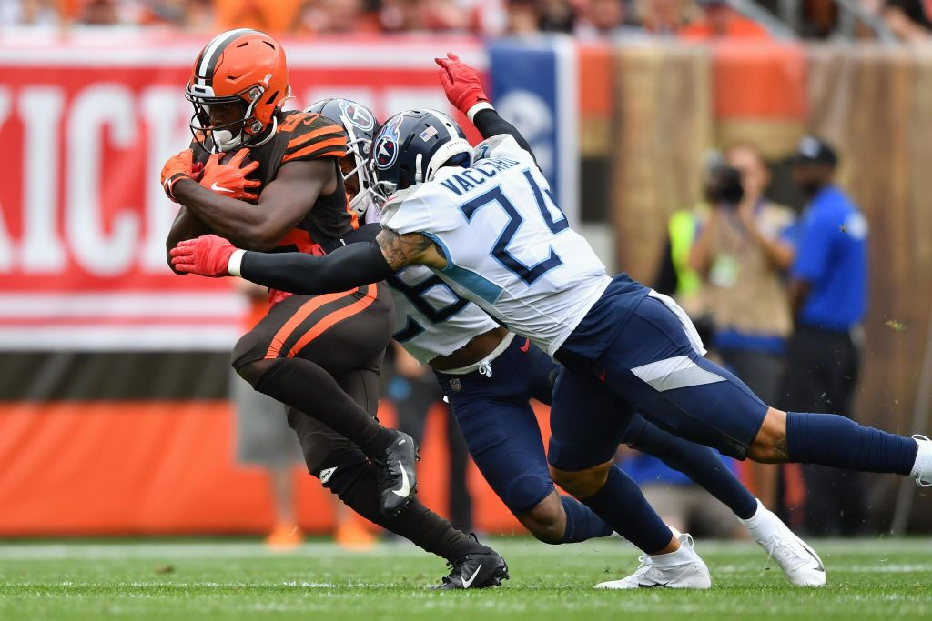 Tennessee Titans v Cleveland Browns