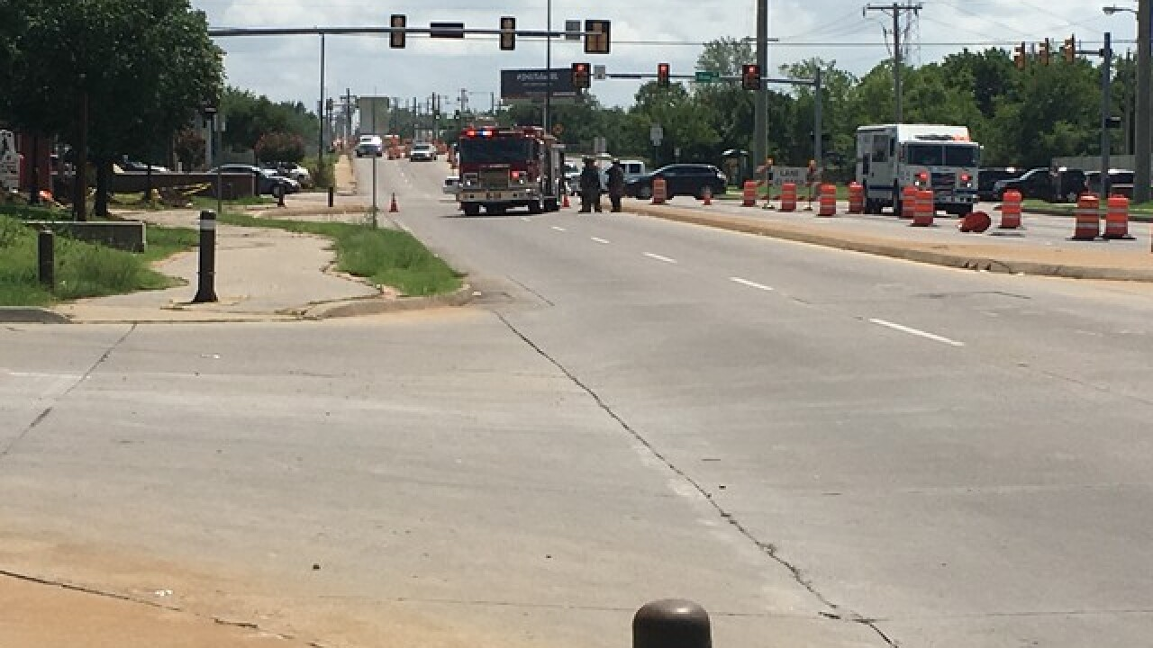 Crews respond to gas line break in north Tulsa