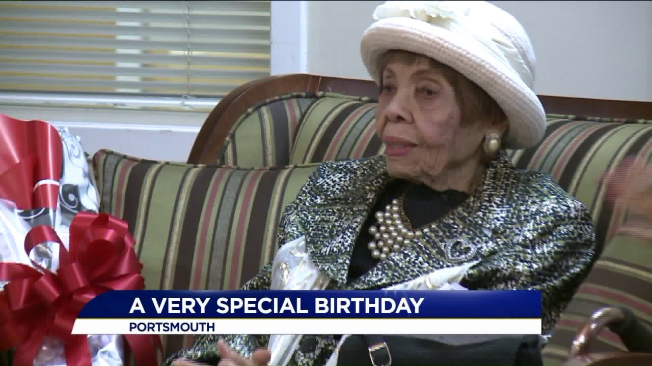 Portsmouth elementary students surprise former teacher for her 102nd birthday