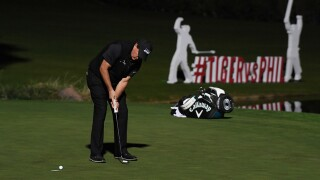 Phil Mickelson wins match against Tiger Woods with birdie on 22nd hole