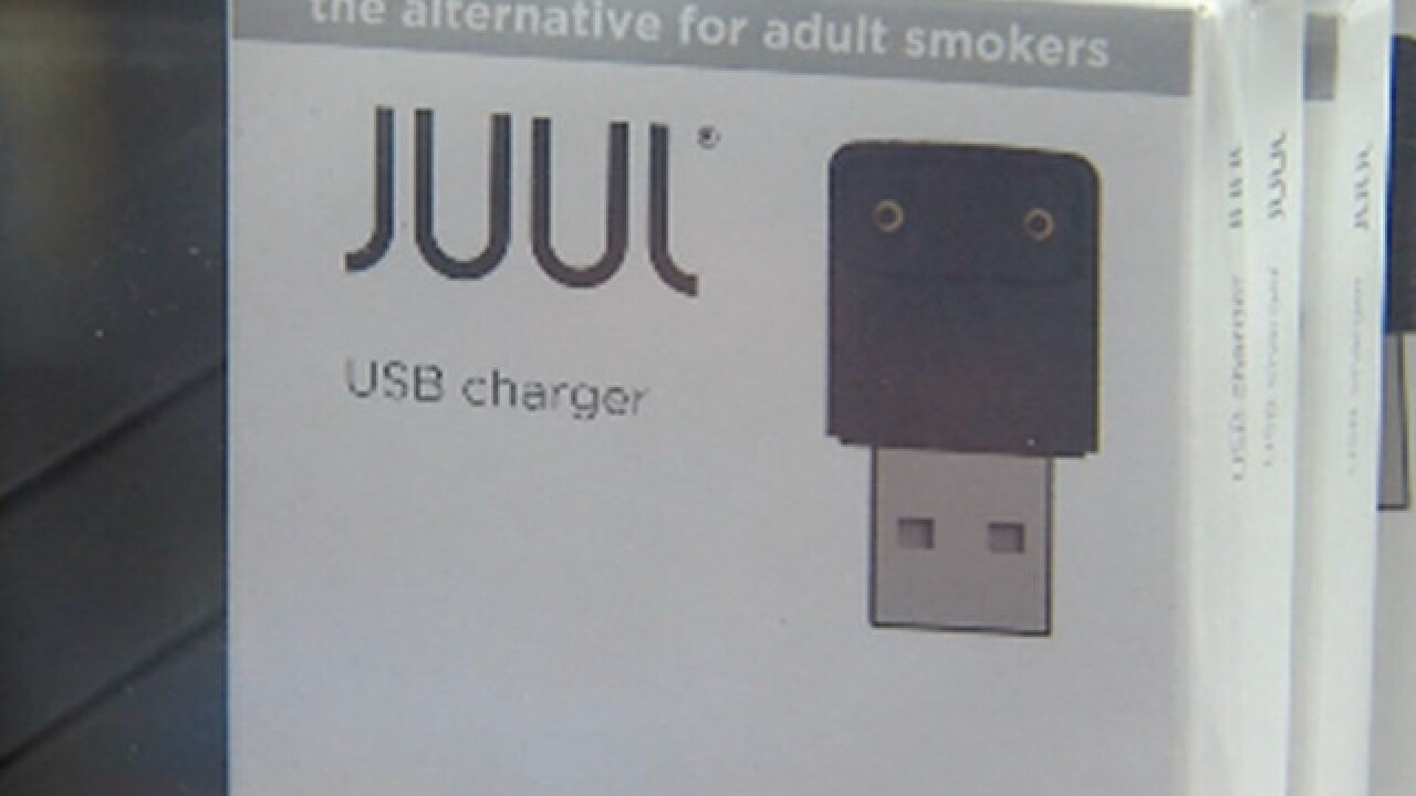 Teens trying to buy vaping device that looks like flash drive