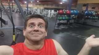 This Man Got Locked Inside A 24 Hour Fitness And His Selfies From The Empty Gym Are Hilarious