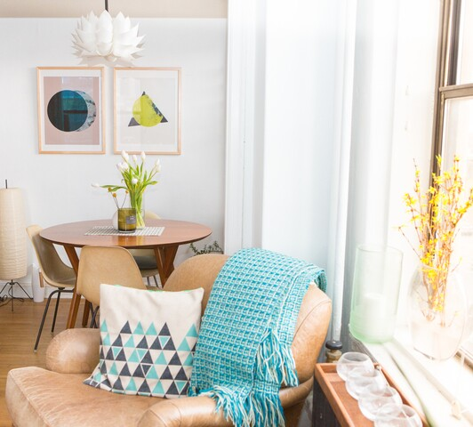 HOME TOUR: Mid-Century Bohemian at the Picadilly Apartments