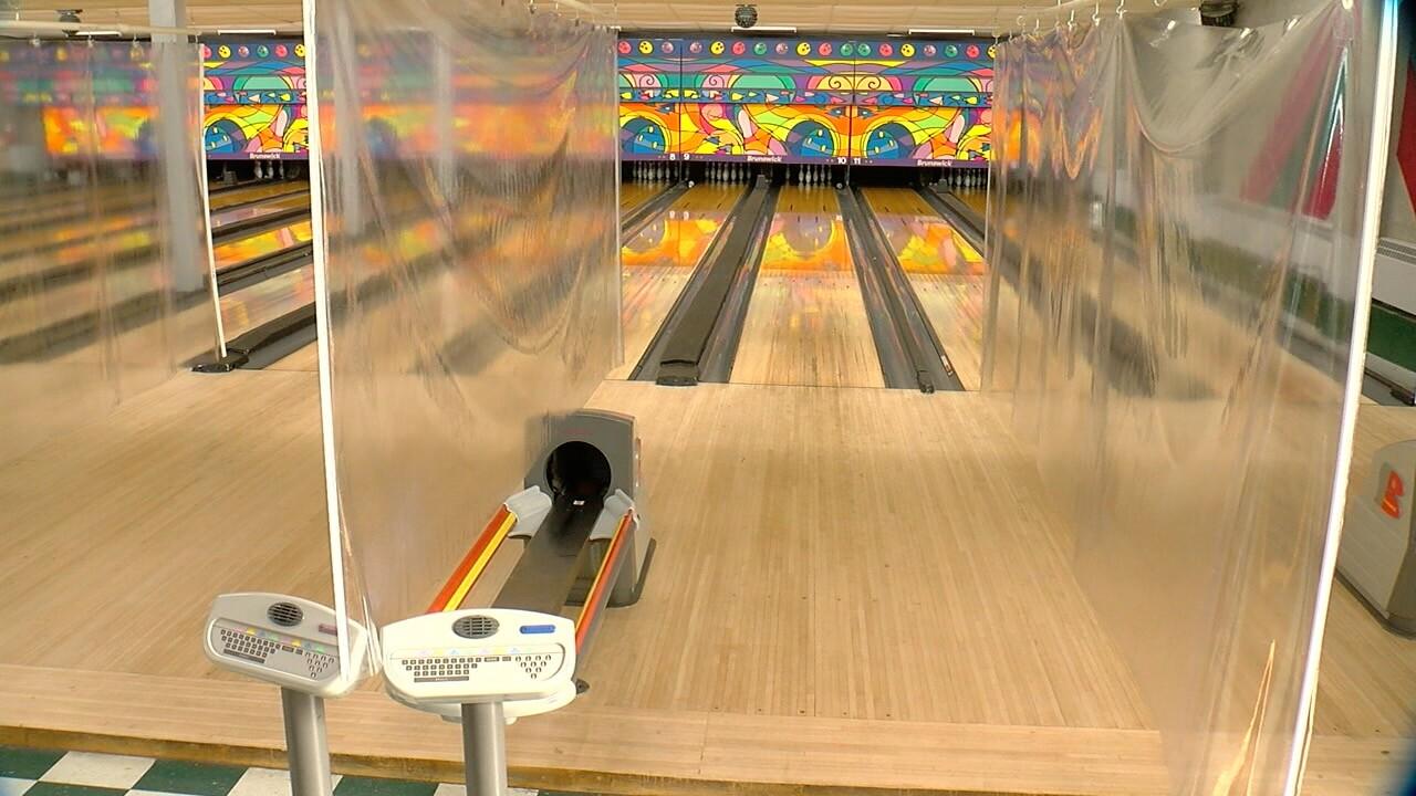 bowlinglanes.jpg