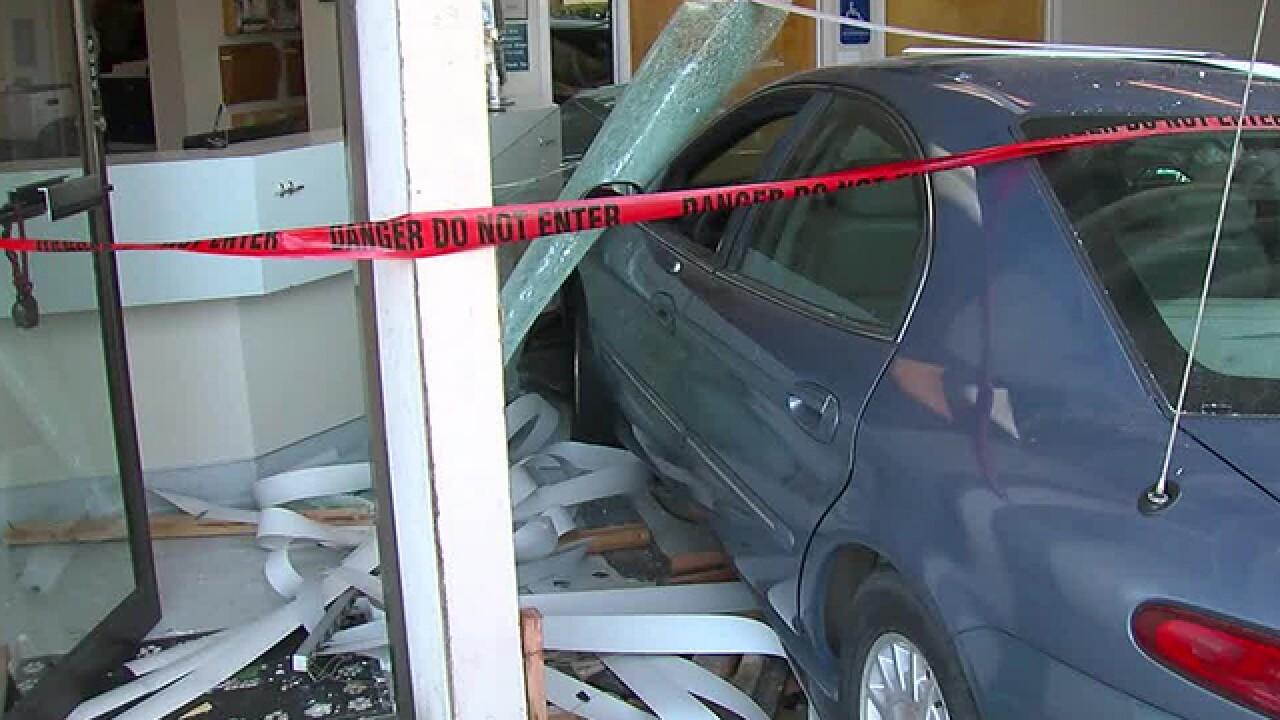Vehicle crashes into Kearny Mesa animal hospital