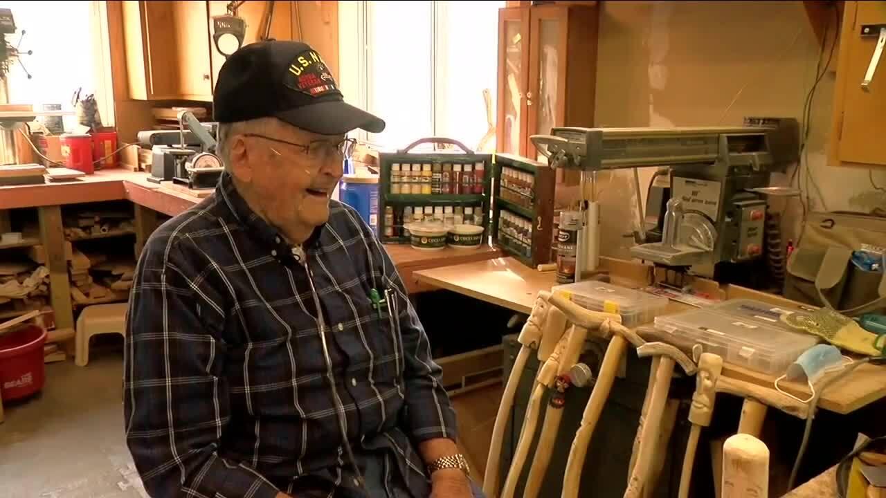Navy veteran carving out a token of thanks for fellow veterans_Bob Scott
