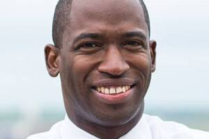 levar stoney official headshot.jpg