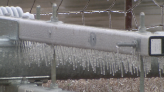 Ice brings power outages in Northern Tennessee