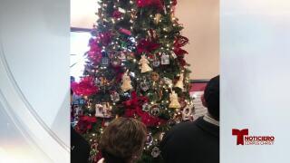 La funeraria Memory Gardens lo invita a la bendición anual de su árbol navideño