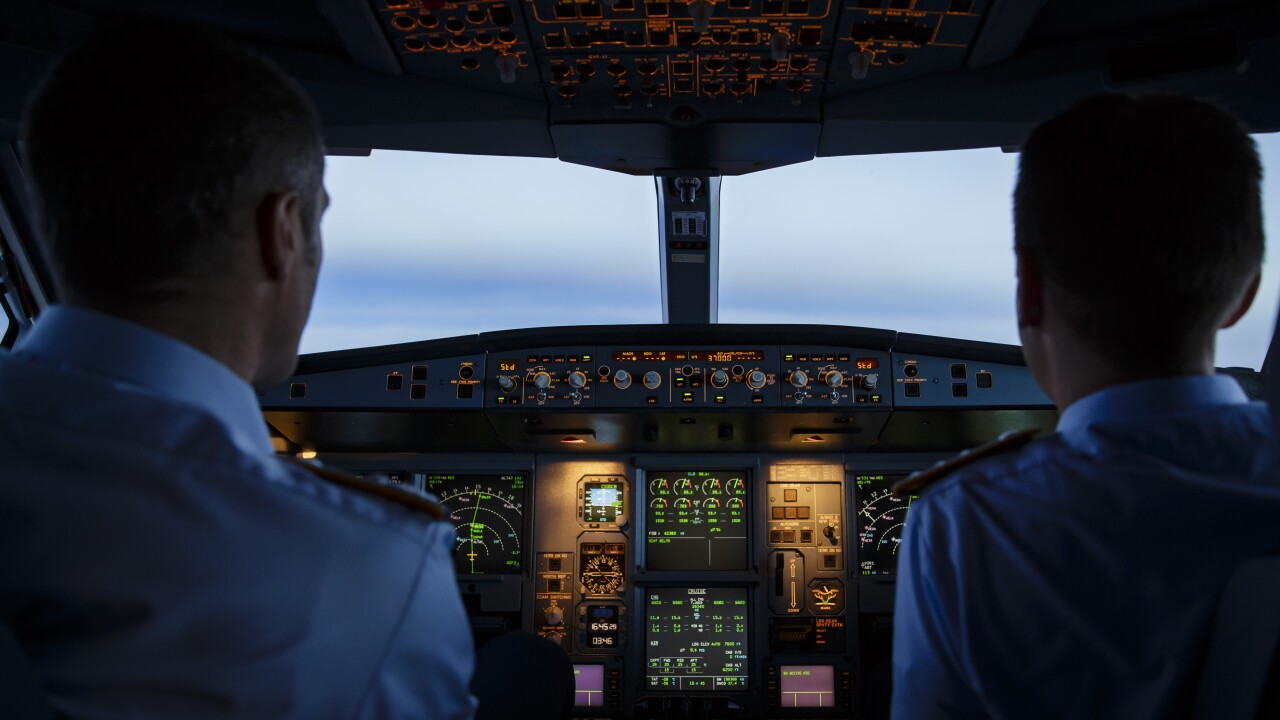 What are the alcohol rules for US airline pilots?