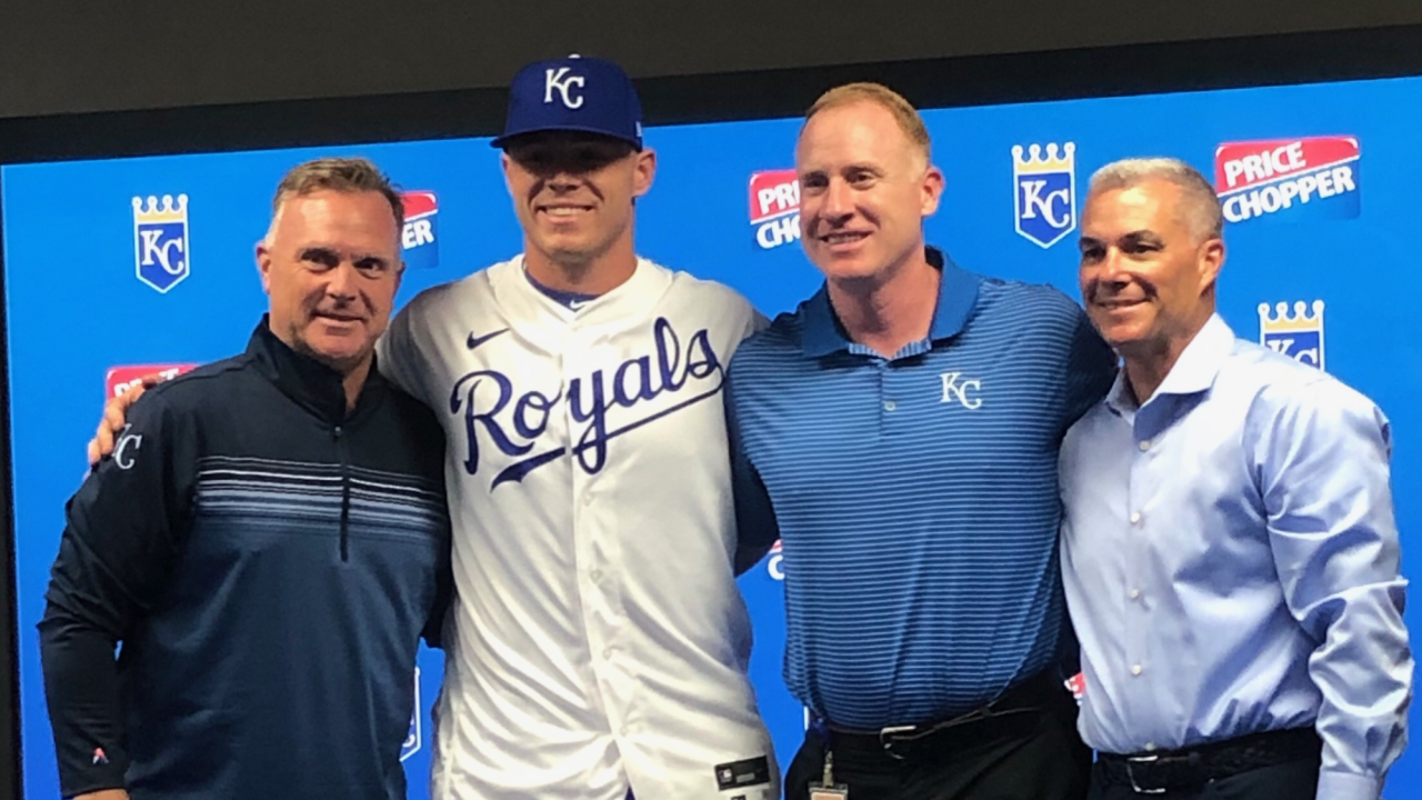 Kale Emshoff signs with Kansas City Royals