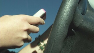 With no state law, Surprise bans cellphone use by drivers