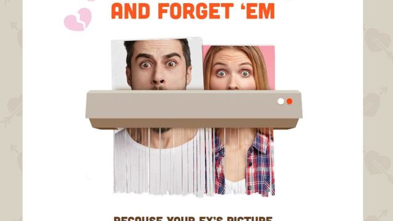 Destroy a pic of your ex, get free Hooters wings