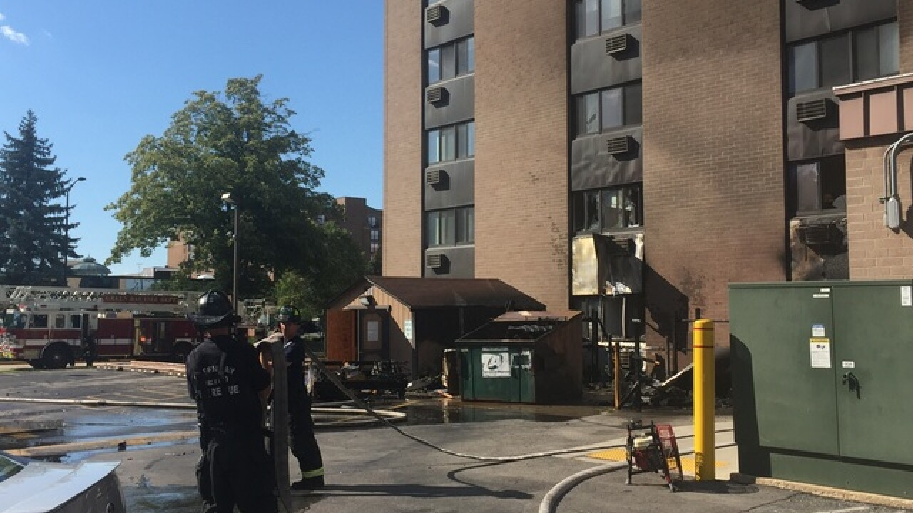 Three people hurt in Green Bay apartment fire