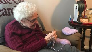 New Iberia resident delivers handmade gifts to St. Jude