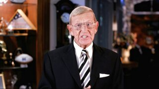 President Trump to award the Medal of Freedom to Lou Holtz