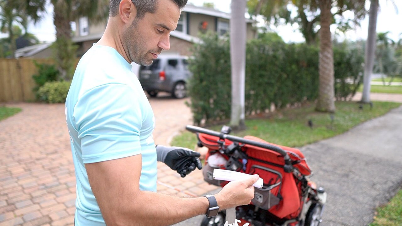 Boca Raton City Councilman Andy Thomson Cleaning Boca Raton while running