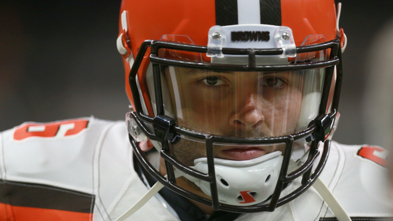 Browns rookie Baker Mayfield replaces Taylor in first half
