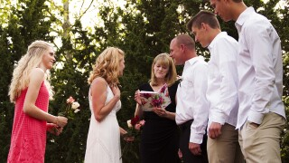 Hashtag 'I do': Internet-ordained ministers increase in Cincinnati