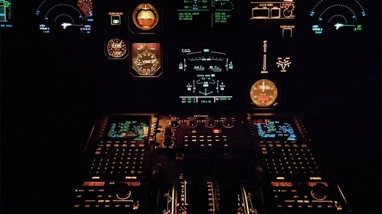 airplane_cockpit.jpg