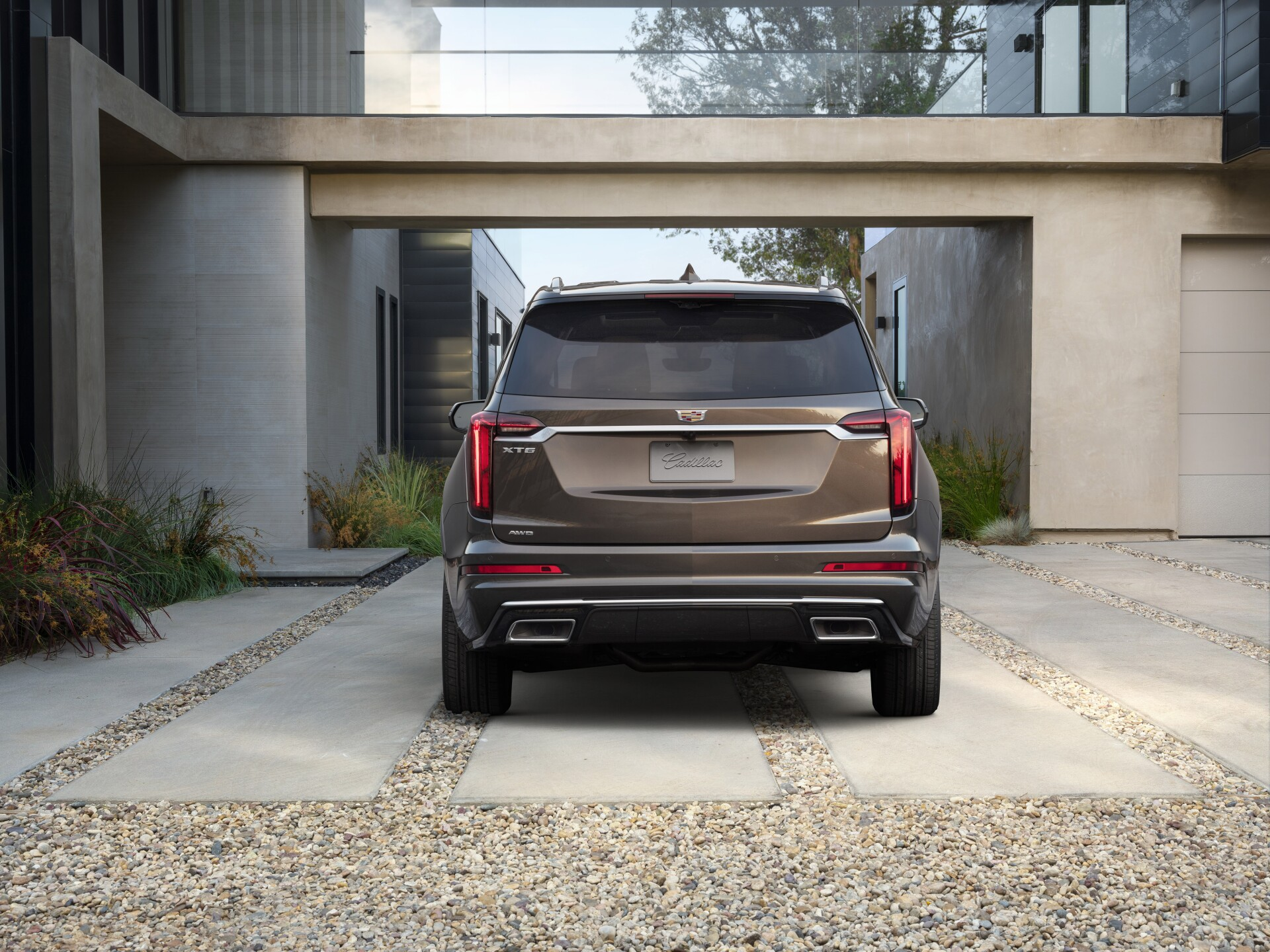 The Cadillac XT6 Premium Luxury model features unique front and