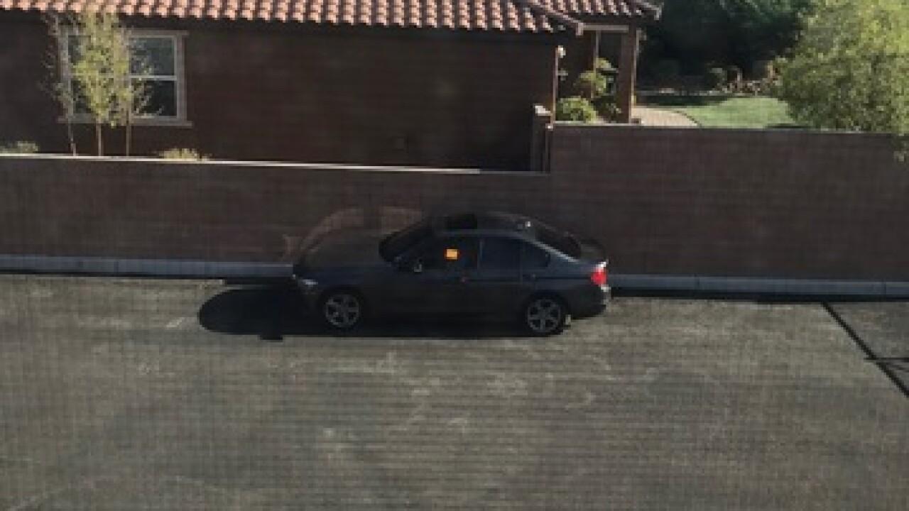 Las Vegas teen hides in closet as burglars break into home