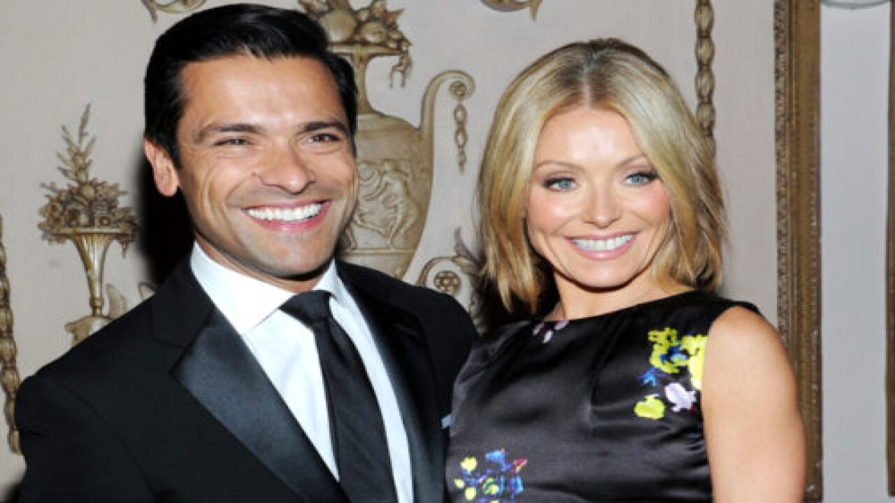Kelly Ripa's Hair Is Going Gray During The Lockdown And She's Showing It Off
