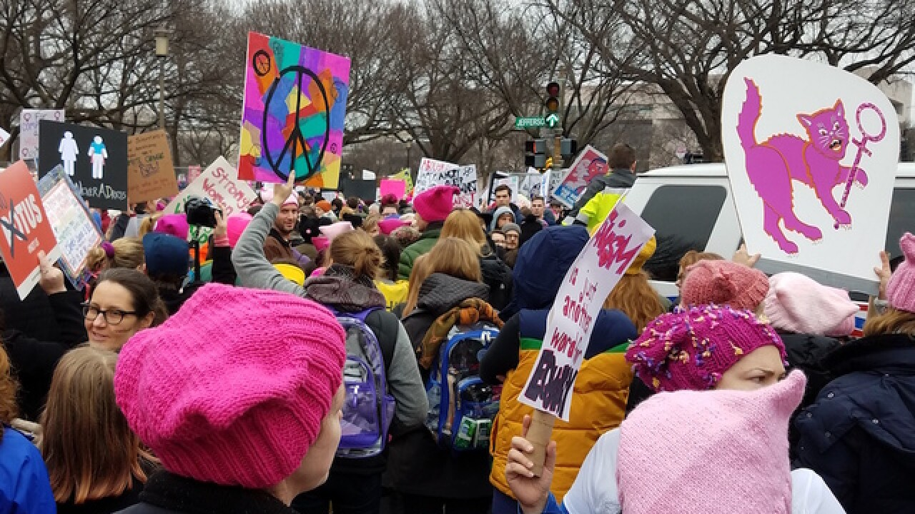 Women march on DC: 200,000 expected to protest