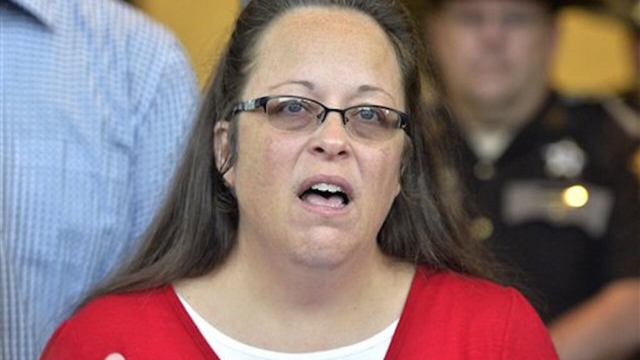 Kim Davis sued after she denies marriage license to man and his laptop