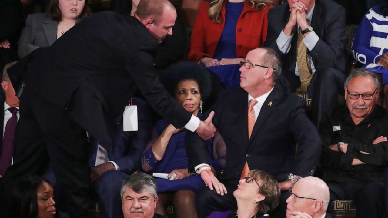 Fred Guttenberg, father of Parkland shooting victim, escorted out during State of the Union