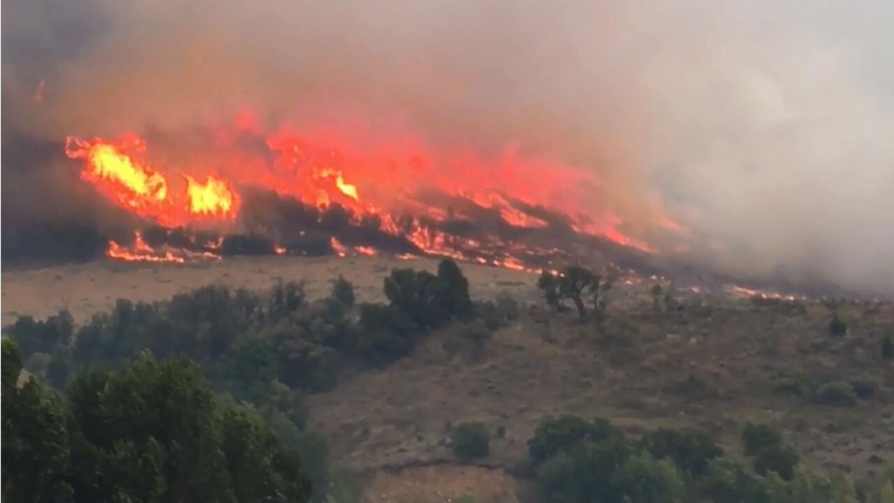 Pole Creek Fire 32 percent contained, no structures lost; 3,000 evacuees allowed to returnhome
