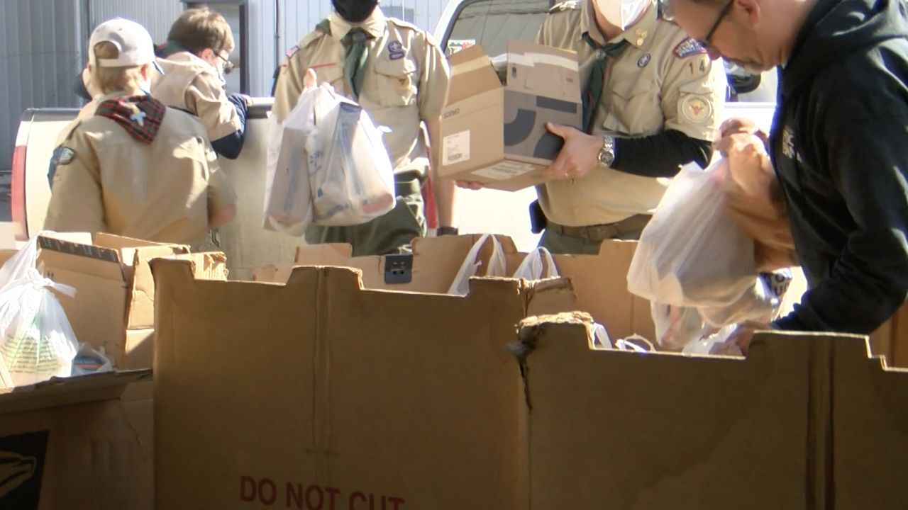 Boy Scouts gather donations for Great Falls Community Food Bank