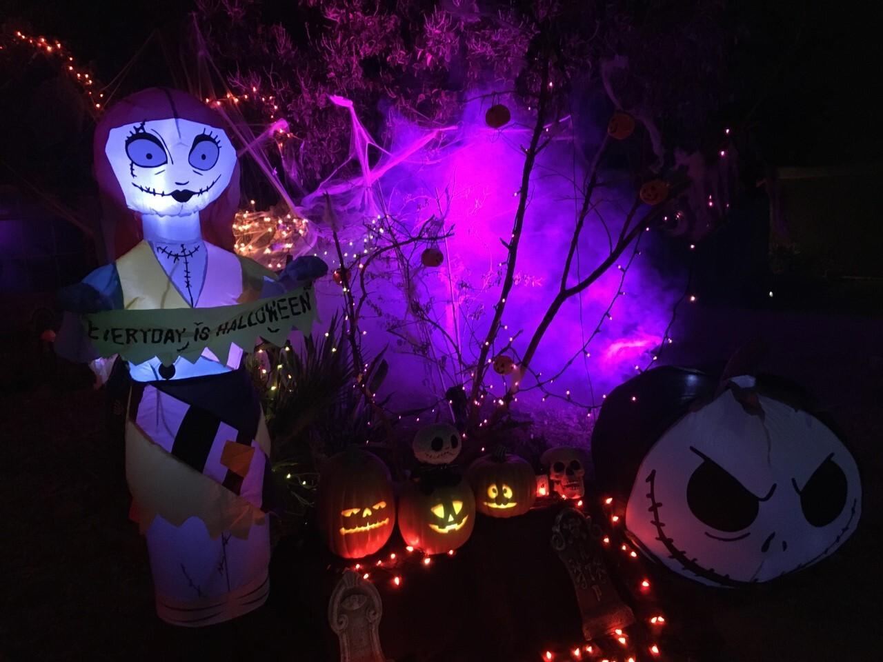 Jeter Tavares halloween houses 5.jpg