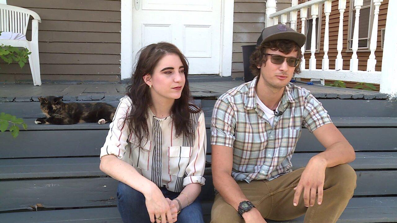Petersburg couple saves neighbor who was unconscious inside burninghome
