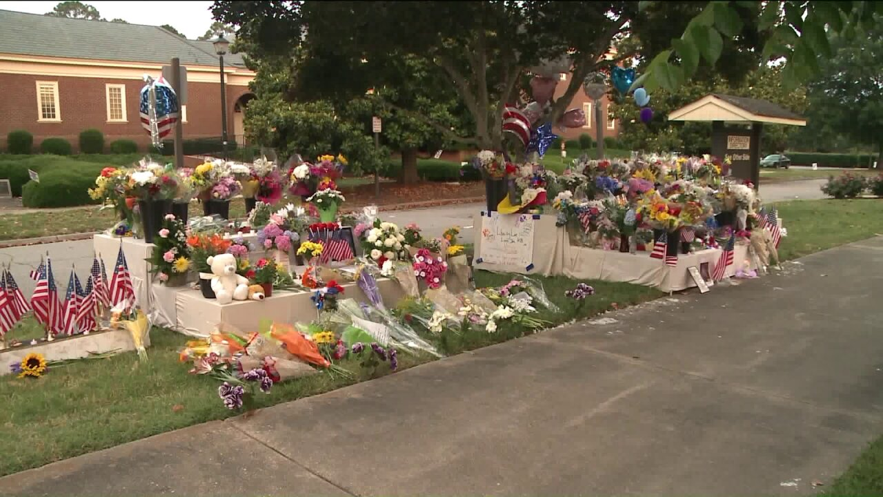 Virginia Beach Municipal Center reopens; Employees return to work after Friday's tragicshooting