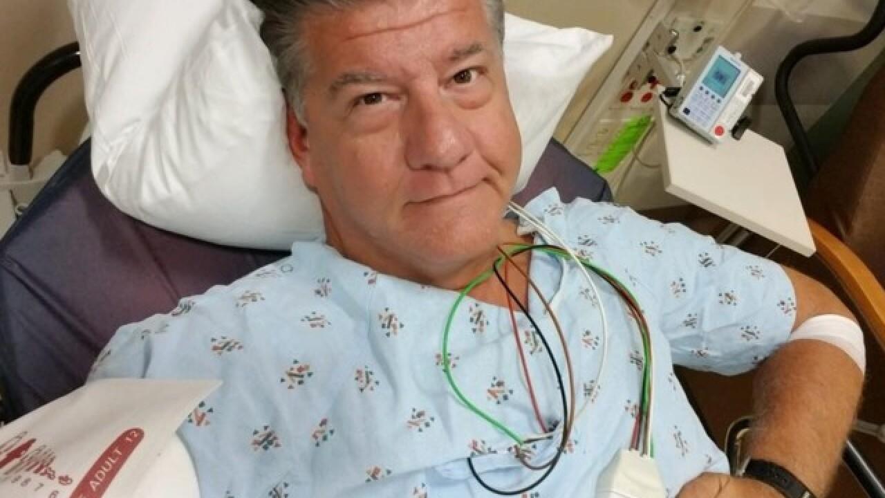 Sportscaster Bill Michaels struck by lightning