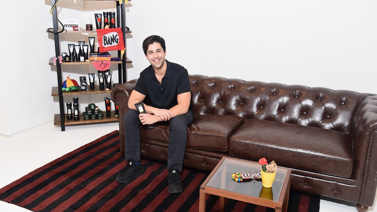 HUG ME BROTHA! Josh Peck from 'Drake and Josh' coming to Canisius College