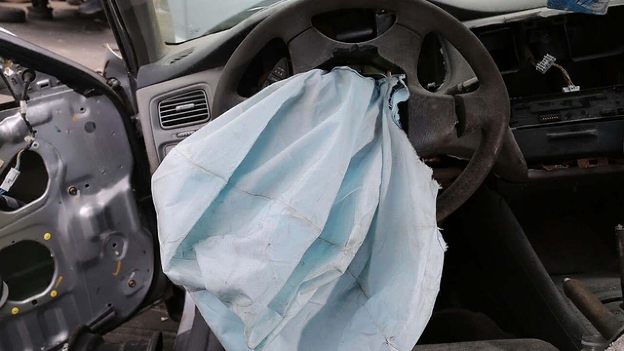 Consumer group: GM stalling on air Takata bag recall