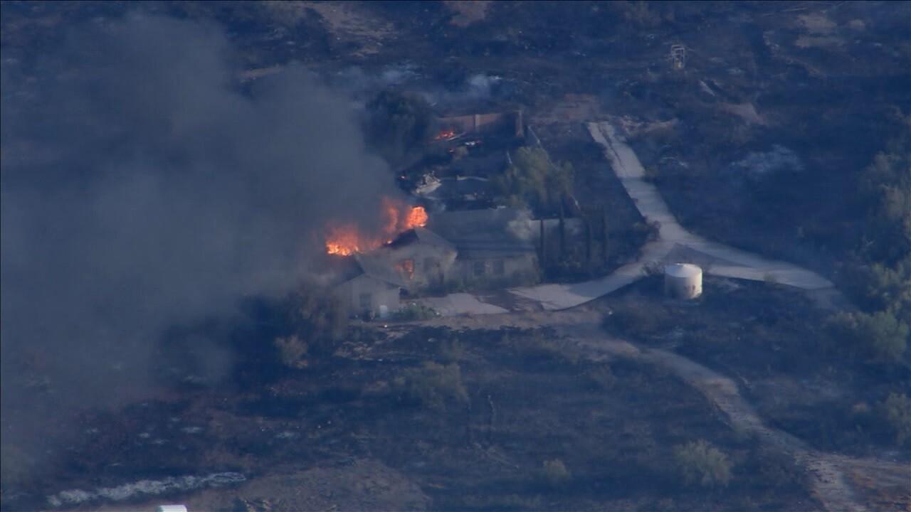 KNXV Aquila Fire House Burning 6-23-2020.jpg