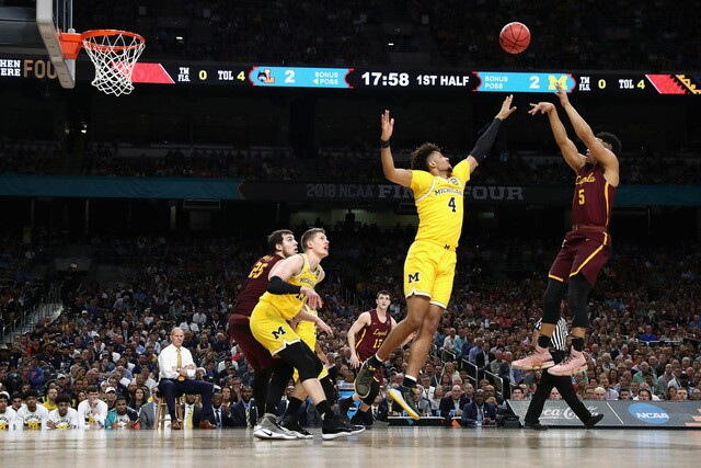 PHOTOS: Michigan beats Loyola in Final Four
