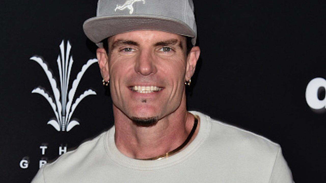 Vanilla Ice says he was aboard the Emirates plane full of sick passengers